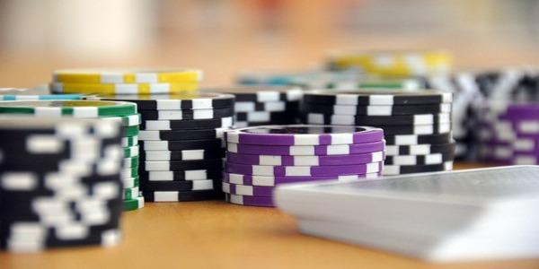 fare soldi poker online